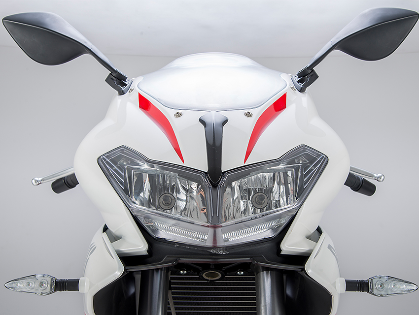 benelli_302r_topfeatures_850x640_styling